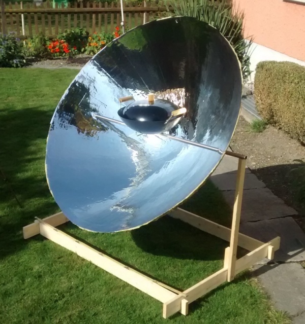 Solar Cooker with Parabolic Reflector